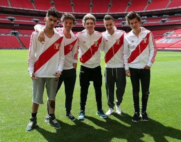 Les boys qui font du foot !!!!!!