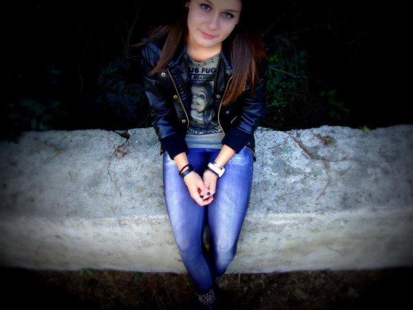 . . Je ne suis pas exceptionnelle je n'ai rien fait dans ma vie mais j'ai aimé très fort. ♥