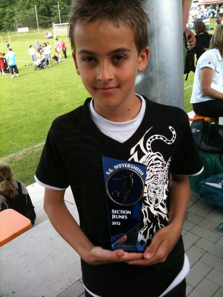 Maxime et son trophée section jeunes 2012