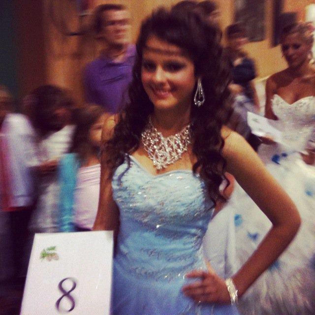 Djackenew et Miss Houblon 2012 et ses dauhpines.