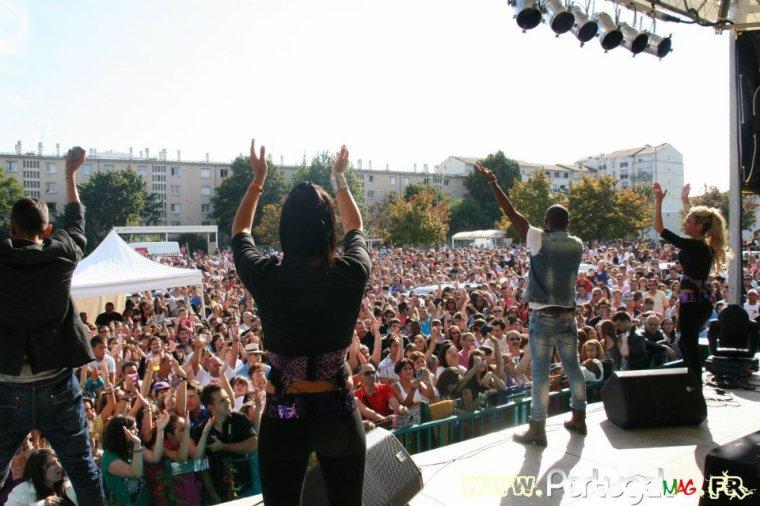 Papa London et Manyone en concert aux Halles du Portugal