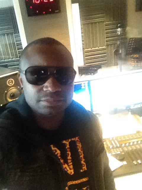 Al Varela Au studio radio sun Scornight Production