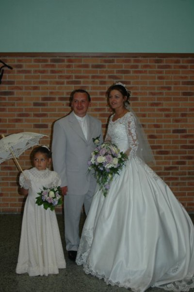 voila mon frere ma belle soeur et ma petite niece ke j-adore