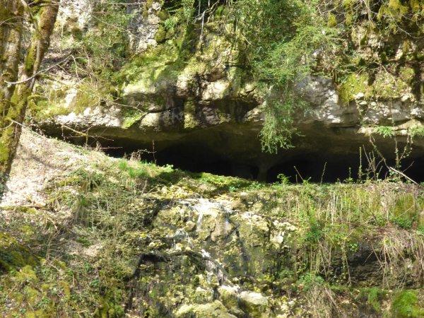 Cascade de la Volferine et c8ascade de la Pierre perçée, avril 2018