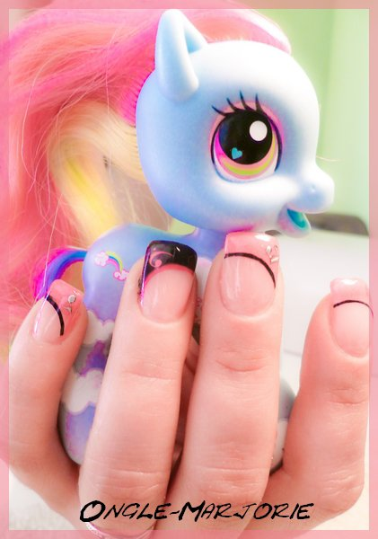"""Ongles en gel *Black And Pink"""""""