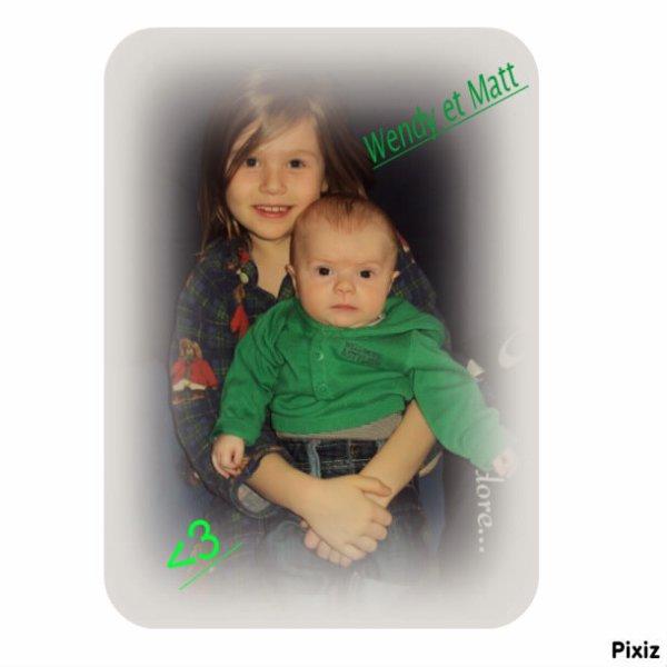 Ma soeur et mon bébé!!