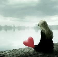 """""""Il faut un c½ur solide pour aimer, mais il faut un c½ur encore plus fort pour continuer à aimer après avoir été blessé."""""""