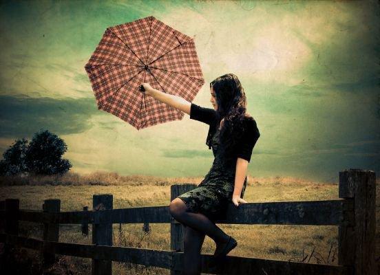 Dans mo0n c0½ur Le sang ne sait plus danser ..... Musique triste Musique grise...... Le s0oleil et la lune très l0oin du deho0rs To0i très prés de m0oi Mais des barreaux qui no0us séparent Am0our interdit Am0our imp0ossible