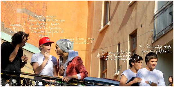 ♦ NEWS || 14.05.2012 // candids : Une nouvelle fois encore, Louis et les autres se sont présenté au balcon de leur hôtel en Suède pour voir leurs fans et leur parler. C'est adorable de leur part d'être aussi présent. ♦ DIVERS || 12.05.2012 // bande-dessinée : Découvrez ci-dessous une mini BD faites par mes soins. Je dois vous avouer que lorsque j'ai vu leurs têtes sur cette photo, je n'ai pas pu m'en empêcher ! :) Créditez si vous la prenez. Enjoy ! ♦ NEWS || 15.05.2012 // candids : Les boys sont enfin de retour chez eux, en Angleterre. En effet, ils ont été aperçus hier par les paparazzis à l'aéroport de Londres, Heathrow Airport. (Petit aparté, Liam avait l'air en super forme ! :p)