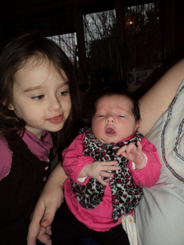 louna et sa petite soeur leila