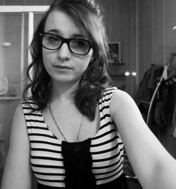 J'ai des lunettes ;$