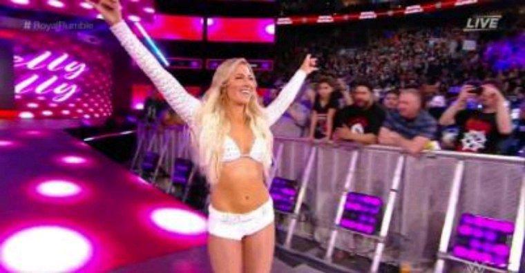 Kelly Kelly WWE + gif