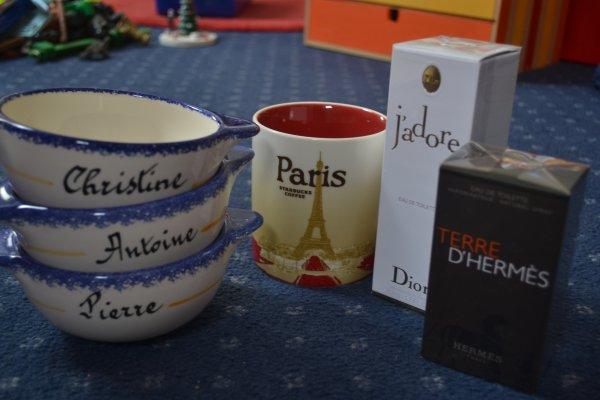 Los cados (=mot inexistant désignant les cadeaux...)!!