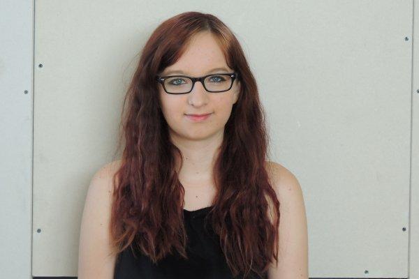 Photo prise aujourd'hui, cheveux bouclé :)