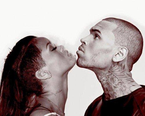 Tout le monde dit que c'est fini entre nous J'espère juste que tu ne penses pas la même chose. -Chris Brown