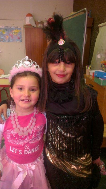 Ma fille en rose et ma nièce trop belle
