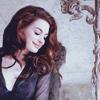Anne Hathaway singing to Meryl Streep
