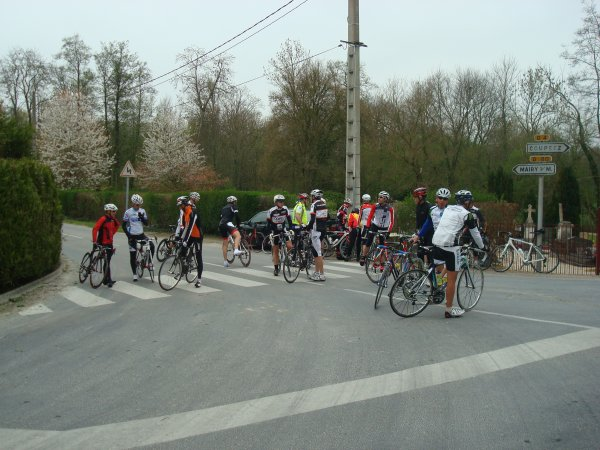 Dimanche 13 Avril 2014 --- Les Cyclos à la Randonnée de Blacy