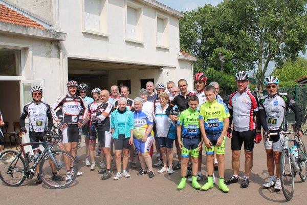 Dimanche 24 Mai 2015 --- les Cyclos à la Randonnée d'Haussignémont