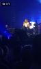 3 ieme tenue de Céline ce soir à Copenhague. Céline met une video de son fils qui rappe avec ses copains qd elle chante du Mickael Jackson