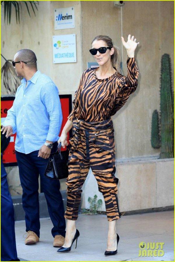 Petite sortie furtive aujourd'hui pour Céline ... sa tenue est très sympa :)