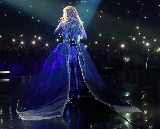"Céline Dion - ""My Heart Will Go On""   O2 Arena, London   2017-06-20"