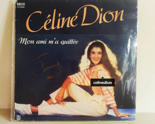 Pour la 1ere soirée  à Londres, en plein milieu du spectacle, un fan vietnamien chanceux, se fait signé un autographe, sur un disque du début de la carrière de Céline  ;)  il est heureux, il pleure, il est tellement nerveux qu'il fait tomber son téléphone ! Céline est formidable :)