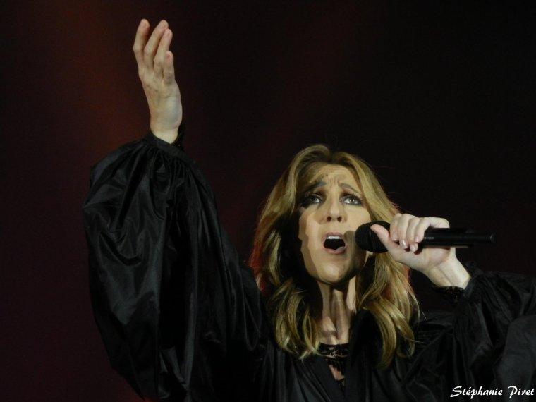 Ce soir à lille pour le 2 ieme concert ...Changement de positionnement de la chanson encore un soir le 02/07/17