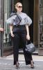 Céline à la sortie de son hôtel aujourd'hui  le 06/07/17