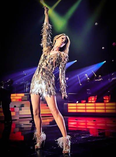 J'adore!  merci a Mariska pour cette belle photo avec cette magnifique robe Versace