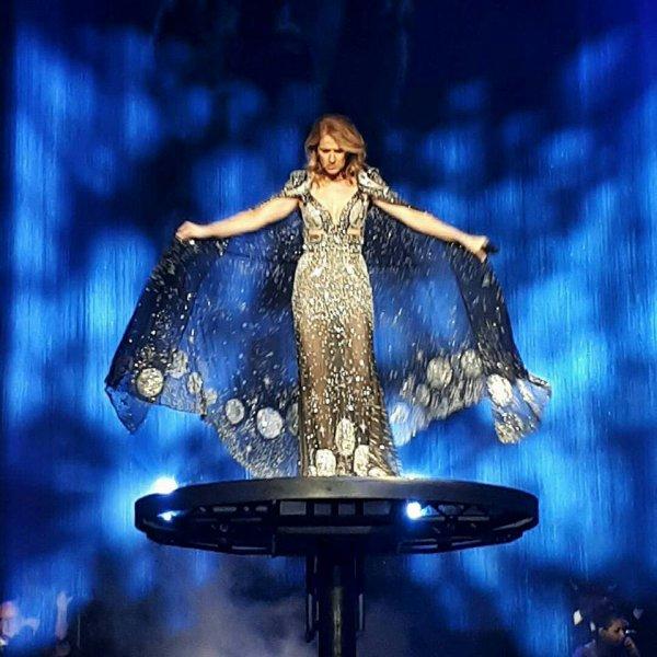 Le 10/11/17 a tjs sa nouvelle robe !