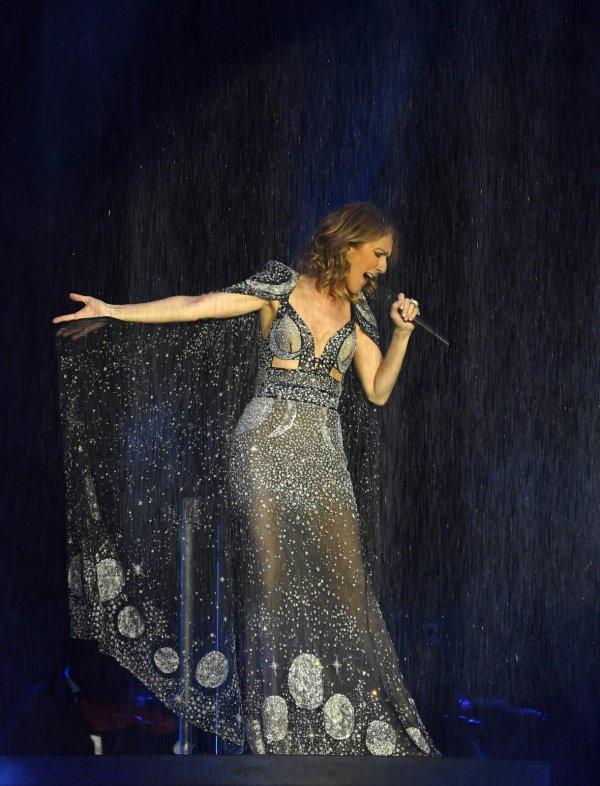 Céline continuera d'imposer son aura à Vegas en 2018 puisque 26 nouvelles dates viennent d'être annoncées.  Et devinez quoi, il se pourrait qu'on célèbre quelque chose au mois de mars avec la principale intéressée... 🎂🍾🎉 - The reed heads