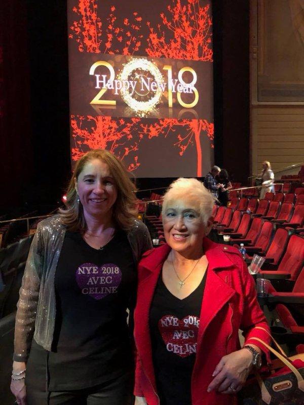 Bonne année à tous ...Christine Denise et  Ramona Almirez y étaient !!!