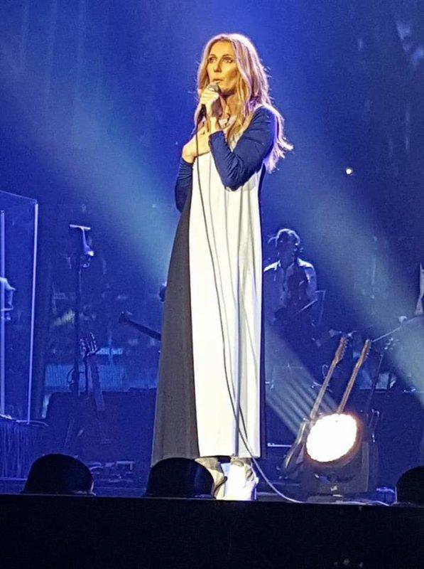 Le show d'hier à Vegas était une répétition pré-générale du spectacle Live 2018, avec une chekliste et les tenues tout à fait nouvelles. Chansons interprétées ⬇️⬇️⬇️