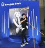 Bangkok, les fans attendent Céline ....