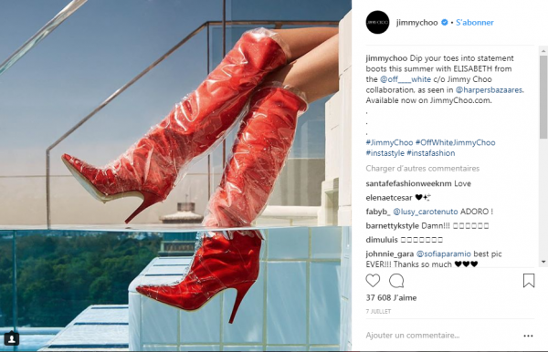 Belle photo de Céline avec ça jolie robe calvinklein à carreaux rouge et ses bottes