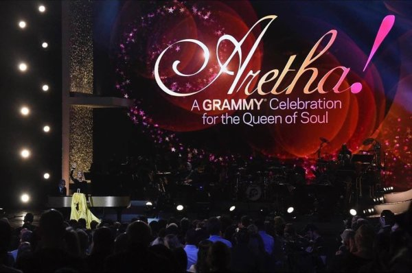 "Céline a interprété ""A Change is Gonna Come"" hier à la ""Aretha! A GRAMMY Celebration For The Queen Of Soul"""