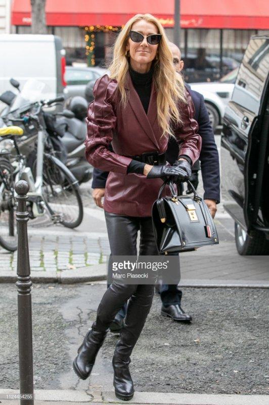 Céline a la sortie de son hôtel le 24/01/19