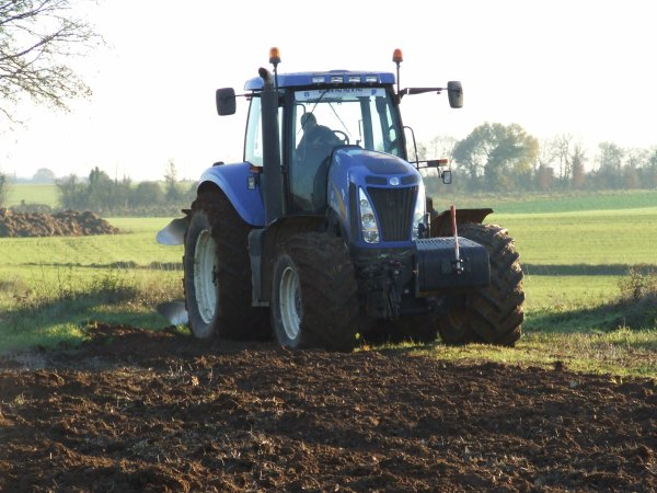 TRACTEUR NEW-HOLLAND T8020
