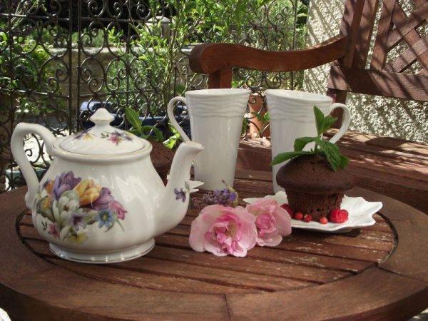 """[Concours n°1] """"Du thé ? Mais bien sur très chère..~] 500 fans ? ♥"""