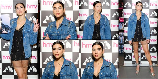 __   _●● _   06/06/2017 :  Dua Lipa   était  présente au  «hmv Westfied»   pour signer des copies de son premier Album à   Londres Une centaine de fan ont eu la chance de rencontrer Dua Lipa à Londres . Coté tenue : j'aime beaucoup la veste mais pas le reste ,un bof  !    __