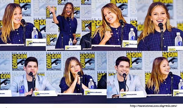 """•••  EVENT Mel' était présente au """"Supergirl"""" Press Line - Comic-Con International 2017 à San Diego,  22 juillet 2017             Nous retrouvons Melissa très souriante sur ces phots, je la trouve très belle même si je n'aime pas vraiment sa robe."""