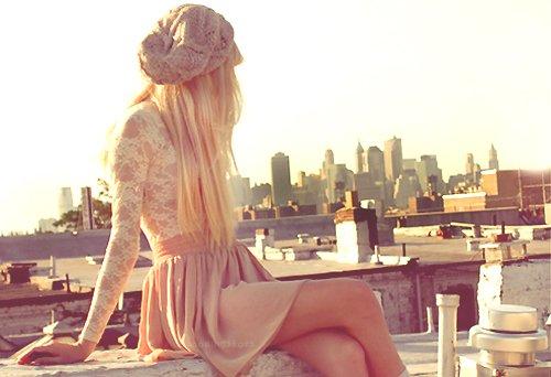 La tristesse est la seule promesse que la vie tient toujours.