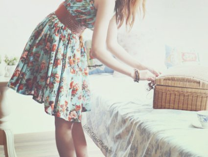 Ne me juge pas mal, mais considère-moi plutôt comme quelqu'un qui de temps en temps a le coeur trop lourd.