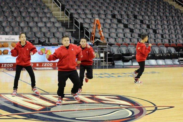 Les boyz qui se prépare pour les Nets (équipe de basket ) et pour les dédicasses =) (3)