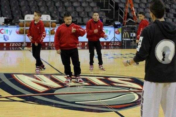 Les boyz qui se prépare pour les Nets (équipe de basket ) et pour les dédicasses =) (4)