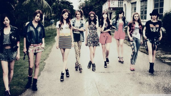 Girls' Generation/SNSD - Talk Talk (말해봐)
