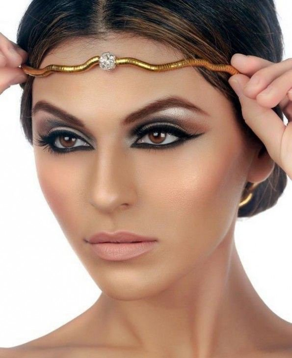 Egyptian make-up