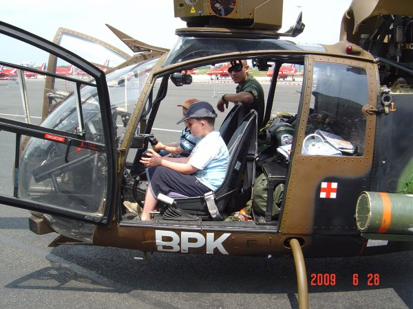 L 39 h licopt re gazelle blog de valentinaviondechasse for Interieur helicoptere