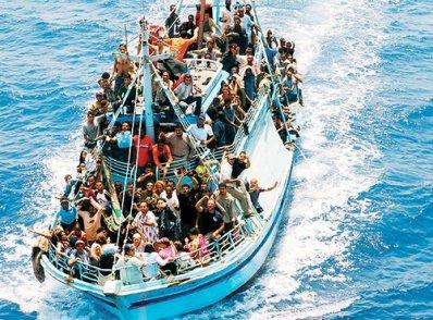 Berlusconi: la soluzione all'emergenza immigrazione sono i rimpatri